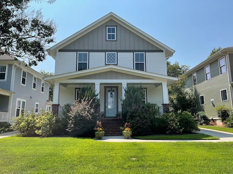 Quiet, beautiful home near downtown Greenville.