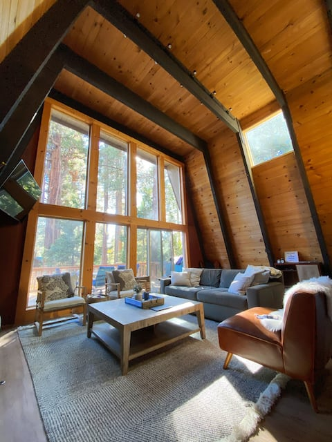 BRAND NEW Pet-Friendly Cozy Cabin by Skiing