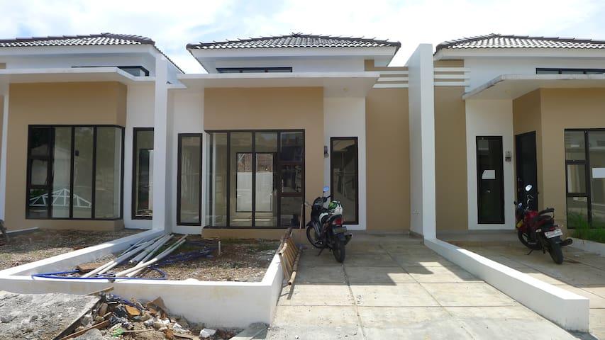 Rumah Disewakan - Panorama Residence Sawangan