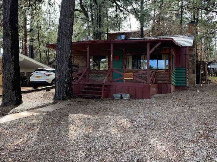 Cozy Love Buck Cabin-Perfectly Located