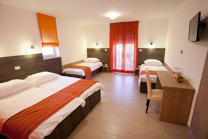 Guesthouse Ošterija - Quadruple Room