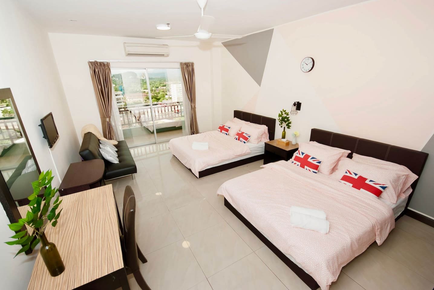 Brand New Huge Family Suites ( 4 to 7 pax)