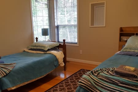 """Hill Crest Place - Twin beds 39""""x74"""" each - Clearwater - Bed & Breakfast"""