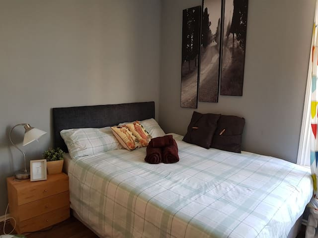 Studio flat SVN London Westfield O2 Shepherds bush