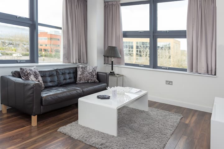 City Stay - Light & bright 1 bedroom apartment