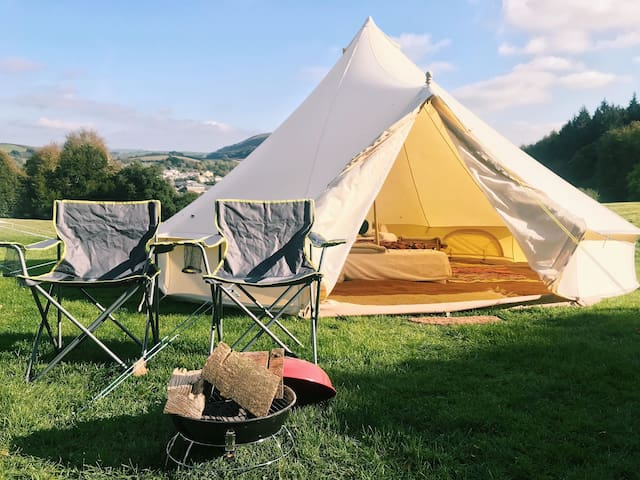 Bell Tent-Electric Pitch. Whitemoor Campsite. CV.