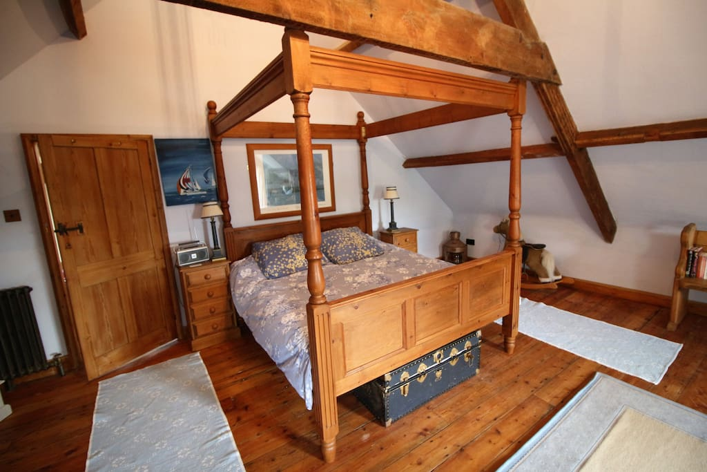 Four poster bed - super king size