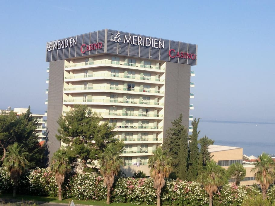 Luxury hotel Le Meridien Lav is close to the apartments Kristian in Podstrana