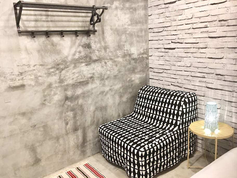 Sitting Area/Sofa Bed