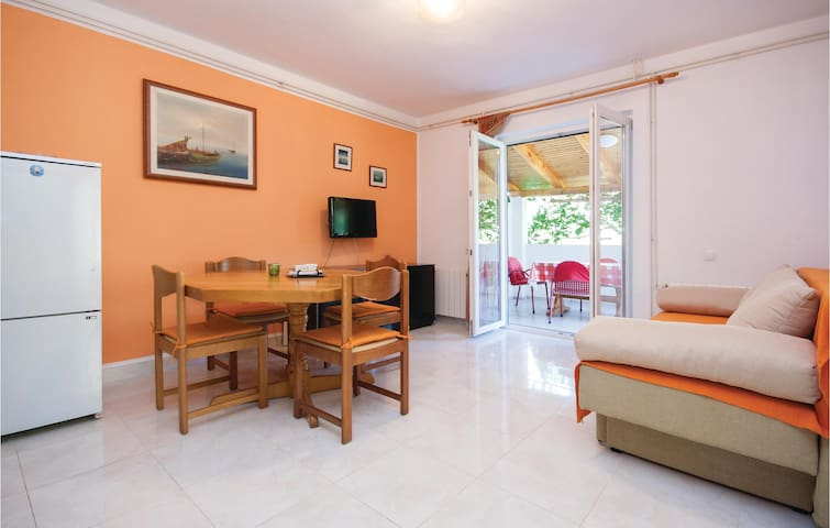 Holiday apartment with 1 bedroom on 41m² in Vodice