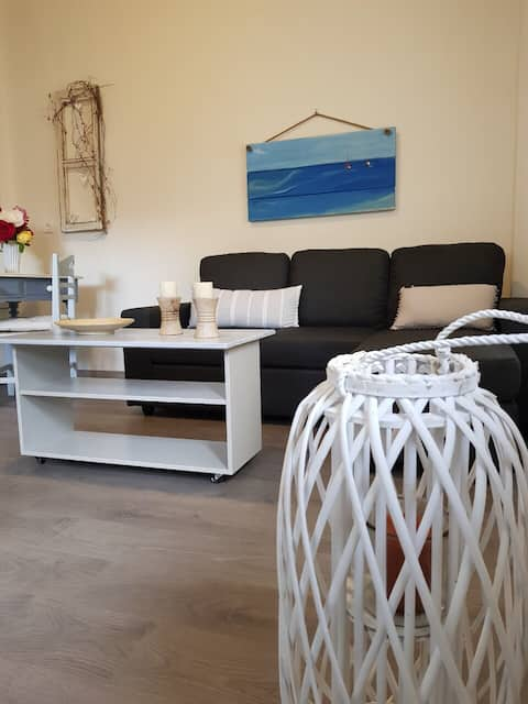Cosy apartment with garden 20 mts from the sea