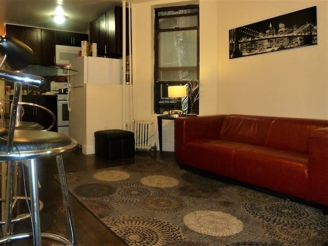 Small Room CLOSE TO CENTRAL PARK