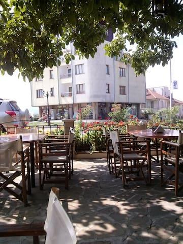 Апартаменты в АпартОтеле у моря - Tsarevo - Apartemen