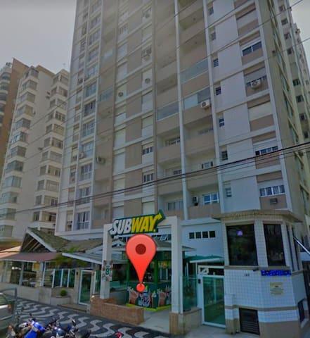 Aproveite!Apartamento em frente a praia de Santos.
