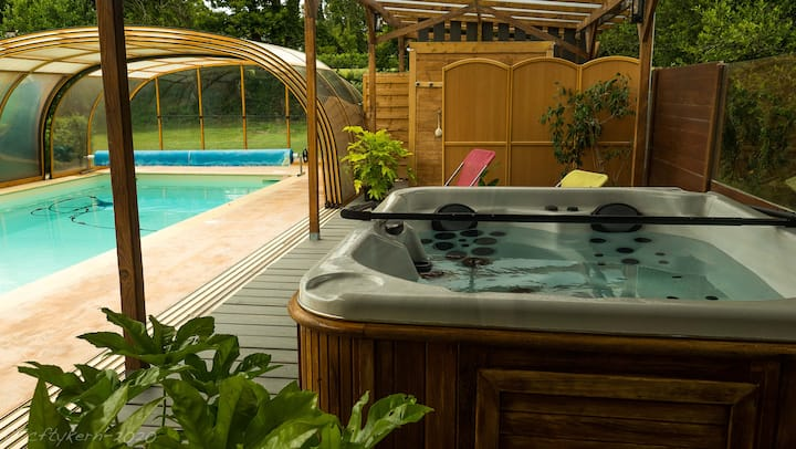 Ty Tan, piscine chauffée, spa, sauna toute l'année