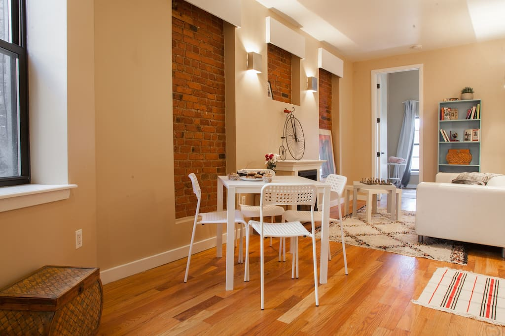Lovely Chic Updated Two Bedroom Apartments For Rent In Brooklyn New York United States