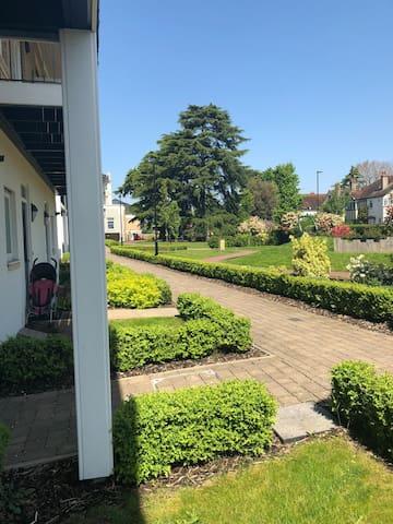 House shared front garden
