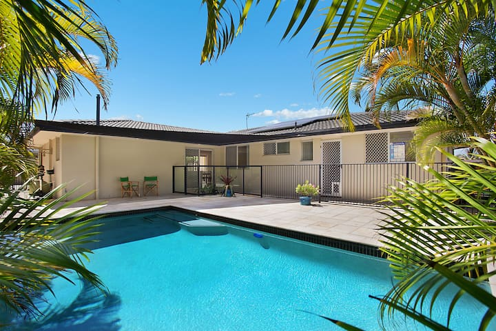 Broadbeach Waters Luxury