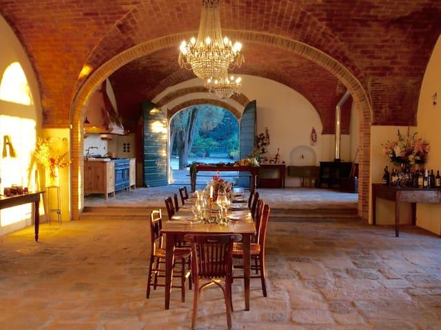 VILLA POZZOLO Exclusive Artist Villa in Tuscany!