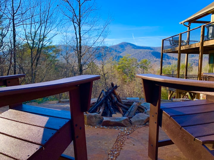 Hot Tub! Billiards! Views! @ Little Andy Lookout