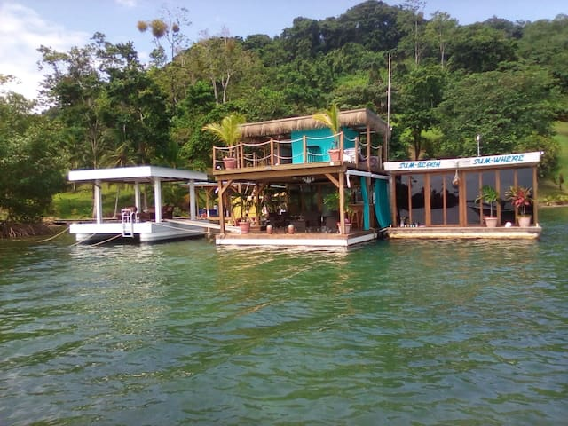 Sum Beach Sum Where - Floating House