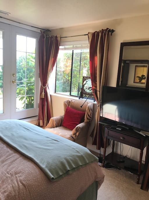 A newly installed French doors to your patio. A great view of the garden , mountains and wild life.Comfortable and private. Substantial breakfast included for up to one week stay .