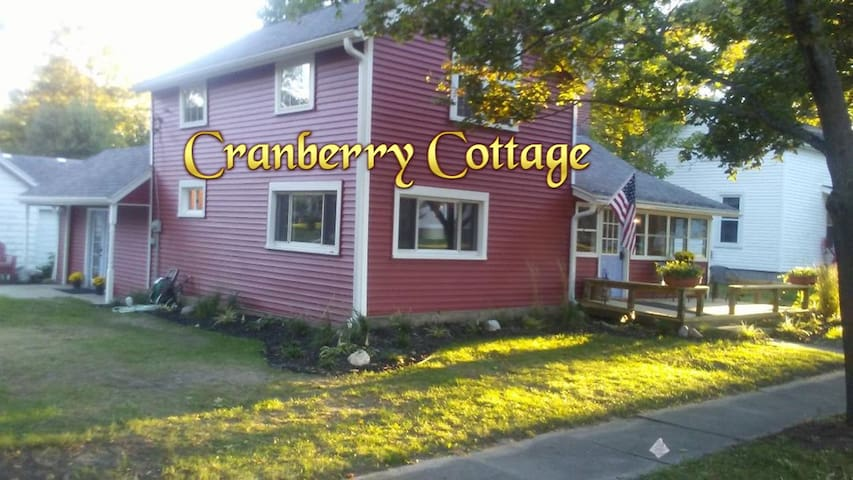 Historic Cottage in Pentwater Michigan - Sleeps 8