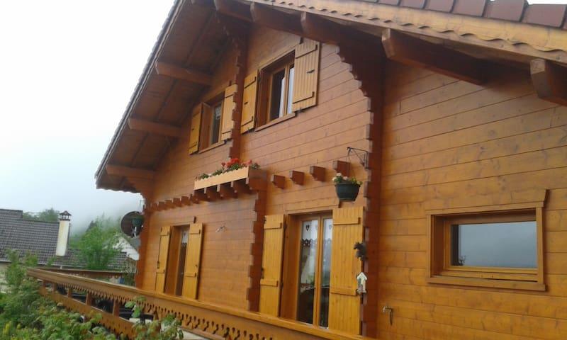 Chalet en Haute Savoie - Menthonnex-sous-Clermont - กระท่อมบนภูเขา