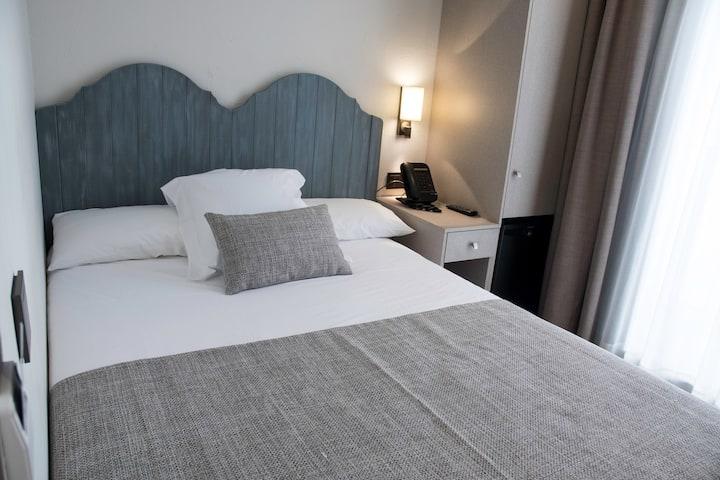 Single room at Sa Voga hotel