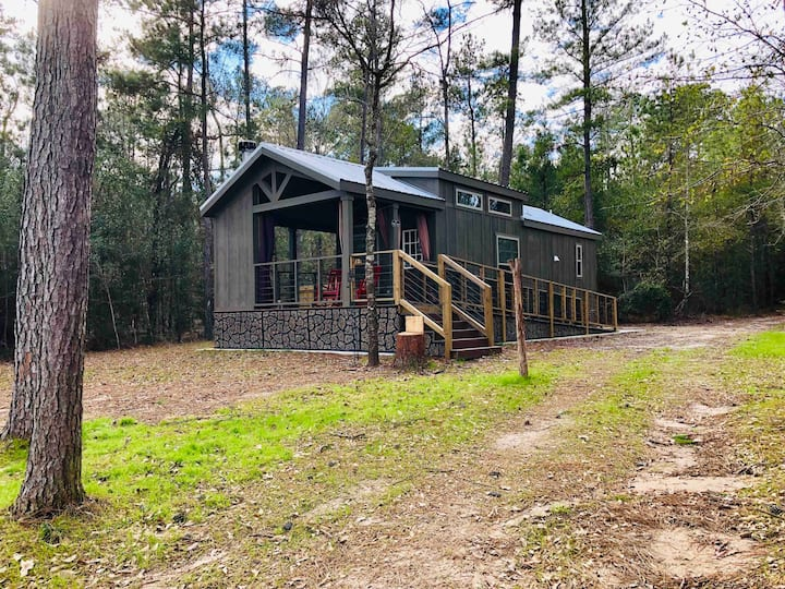 Luxurious tiny home in the piney woods of East Tx