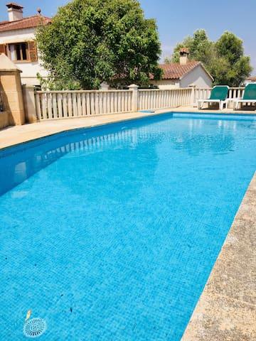 piscina esterna e solarium