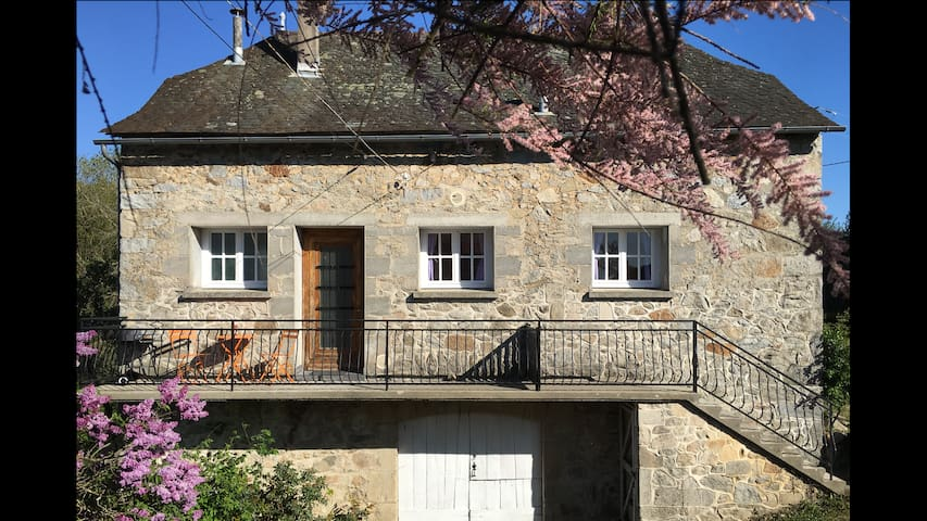 Gite Marguerite - stunning rural location - Lunac - Haus