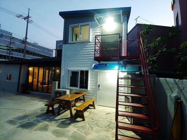 쉼터,독채, 그리고 황토 온돌+침실(fresh house)
