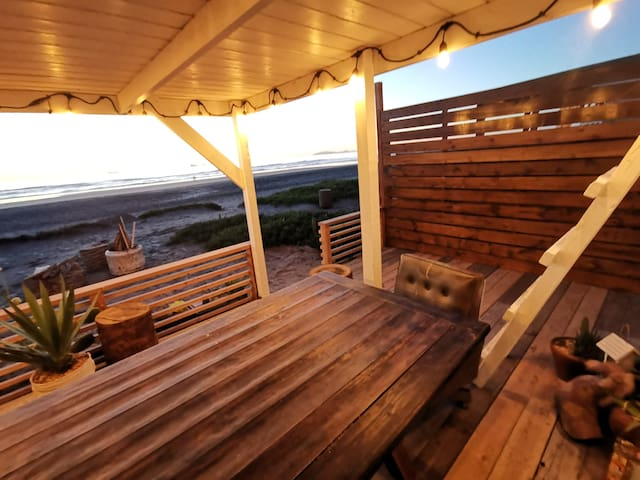BEACHFRONT, Near Papas, Campfire Friendly,