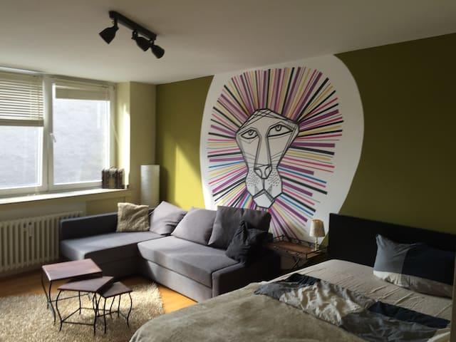 Nice room in top location - Köln - Apartment