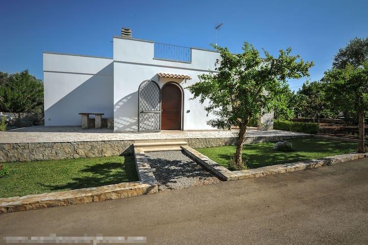 Manfio's - Villa Furneddhu