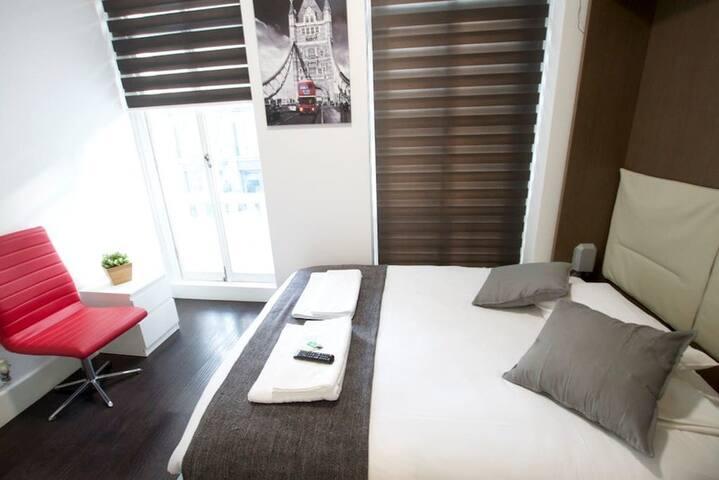 Double bedroom in Charlotte Street by Allô Housing
