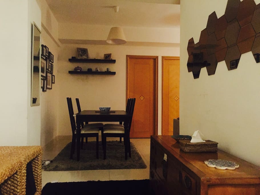 Dining area with fully equipped kitchen
