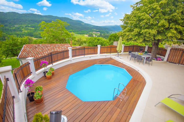 Casa Bepo&Bepa with pool and view - Buzet - Ev