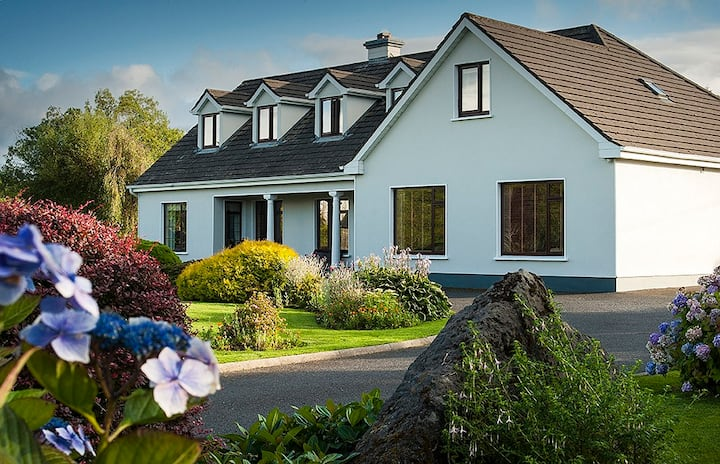 Crossriver Bed and Breakfast Gateway to Connemara