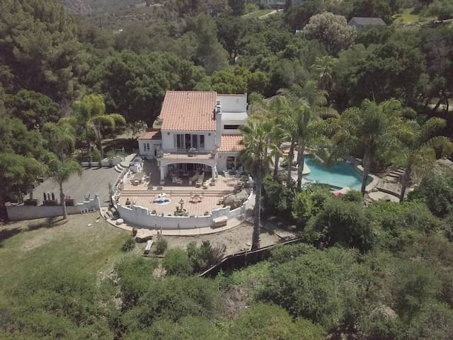 The Malibu Retreat Estate: FILMING + EVENTS ONLY