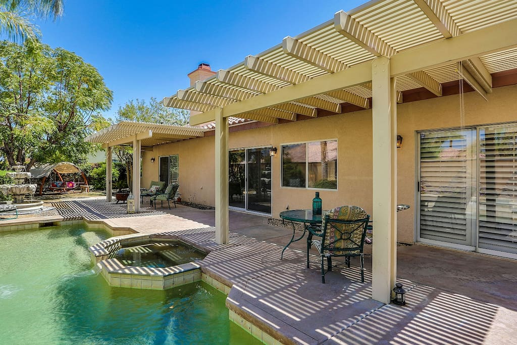 La Quinta Pool Home
