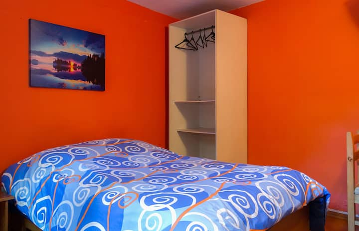 Alcala, Single Room in La Mariscal
