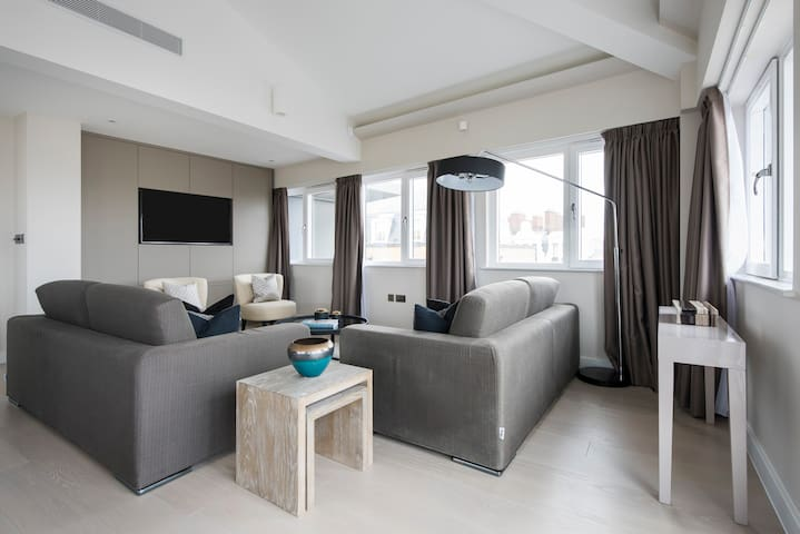 Penthouse 3BR in Westminster by Sonder