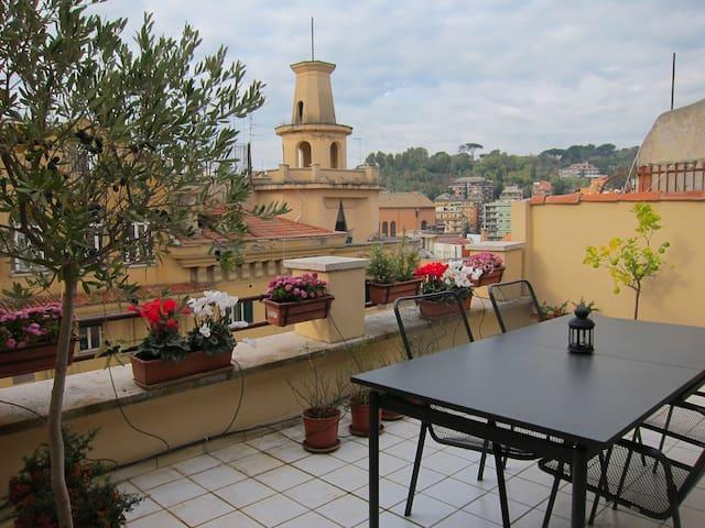 Vatican. Sunny terrace apartment. - Rome - Apartment