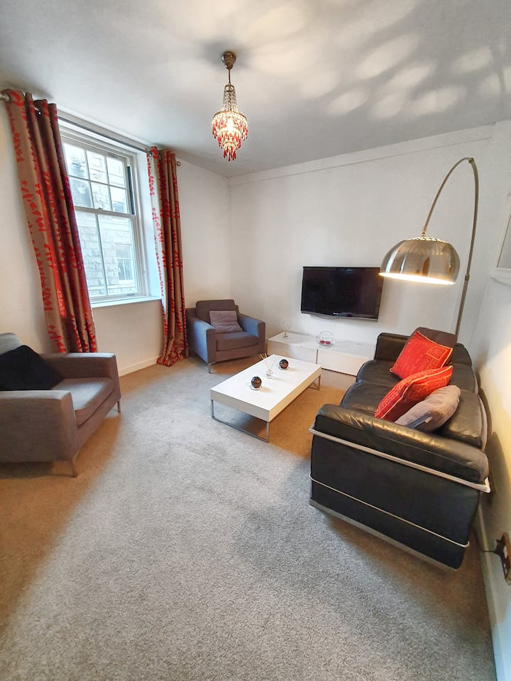 Two bedroom apartment in the heart of Aberdeen