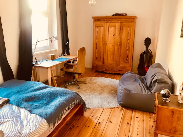 Cosy bedroom in Moabit