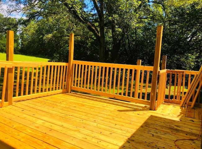 Secluded House on 5 Acres w Patio Deck