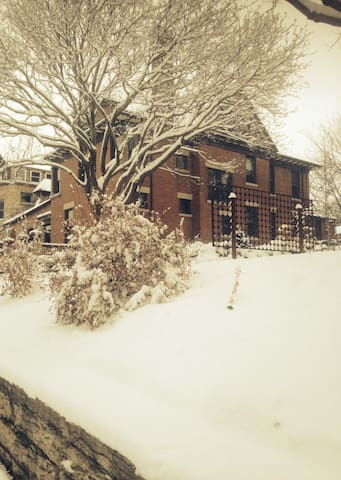 Jefferson House in the snow