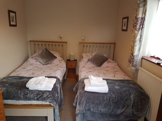 Twin bedroom -working farm countryside location